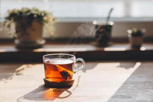 En varm kop te - sælg det på abonnement